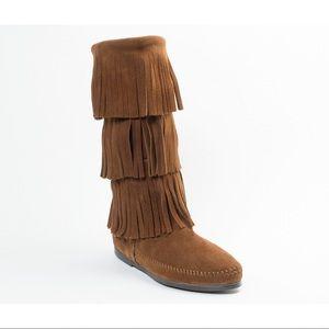 Minnetonka moccasins boots Tan